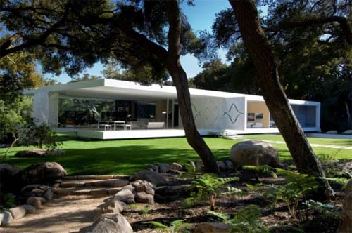 Modern Glass Pavilion by Steve Hermann in Montecito 1 Modern Glass Pavilion by Steve Hermann in Montecito