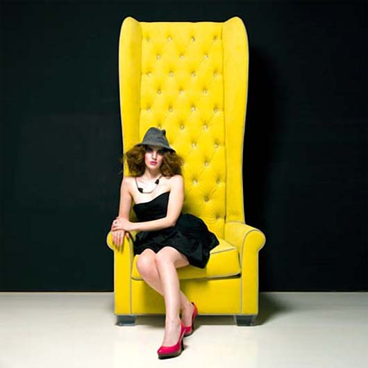 Oliver Chair by HStudio 1 The Oliver Chair make you like a Queen