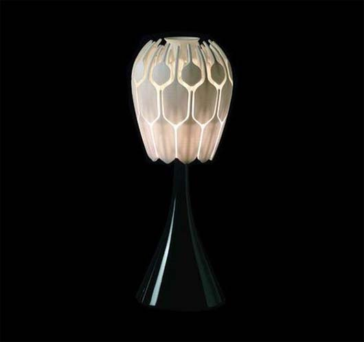 Bloom Table Lamp by Patrick Jouin 3 Inspire flower into table lamp   Bloom Table Lamp by Patrick Jouin