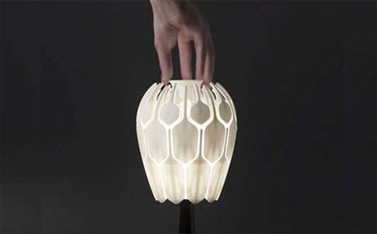 Bloom Table Lamp by Patrick Jouin 4 Inspire flower into table lamp   Bloom Table Lamp by Patrick Jouin