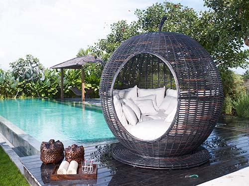 Outdoor daybed furniture