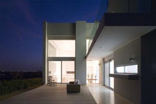 Three story house by Axelrod Architects 7 Three story house with large glass windows in Tel Aviv, Israel
